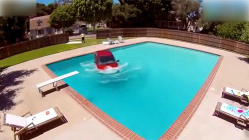 世界之大无奇不有,小车冲破围墙,直接就冲进了别人家泳池!