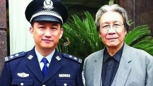 """黄磊父亲身份遭曝光,背景如此强大,""""老狐狸""""真低调"""
