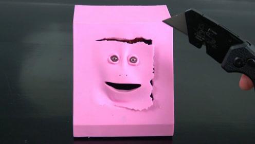 老外发明人脸存钱罐,面部表情太丰富了吧,存钱的时候相当魔性!