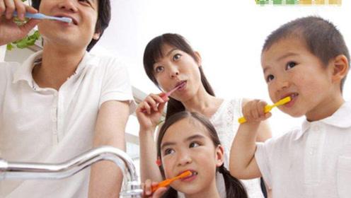长期口臭怎么办?刷牙时多加一个动作,让口臭一去不复返