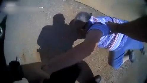美国65岁老妇汽车尾灯破损,逃逸拒捕后被警察电击,厉害了!