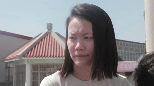 外面掉下一个人,老师看到后并未悲伤反而责怪学生,怎么回事?