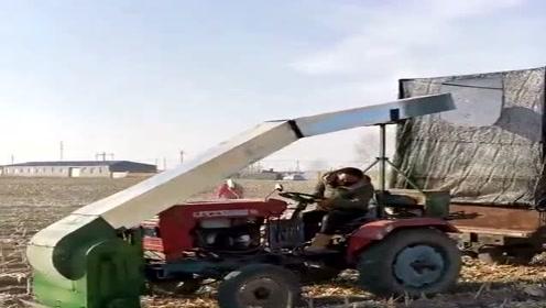 农村老司机开挂了,突发奇想爆改拖拉机,可以去申请专利了!