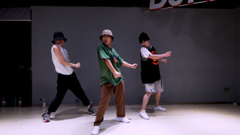 D57舞蹈工作室, 张艺兴《Honey》Ayapo编舞版