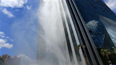 我国又一创新建筑,大楼悬挂百米瀑布,就在贵州