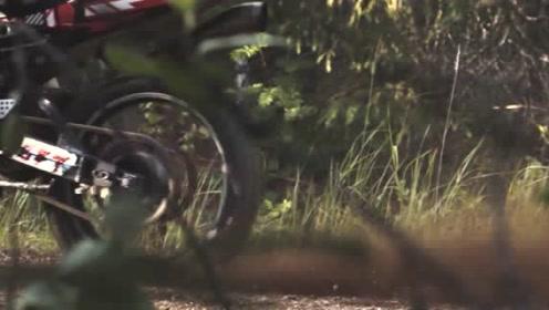 公升级四缸摩托车也改越野Suzuki GSX-R1000cc