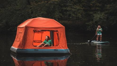 老外发明水上帐篷,晚上躺在河里睡,飘飘摇摇很自在