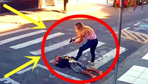 男子在学校门口抢劫,结果被女孩妈妈连开三枪,瞬间倒地!