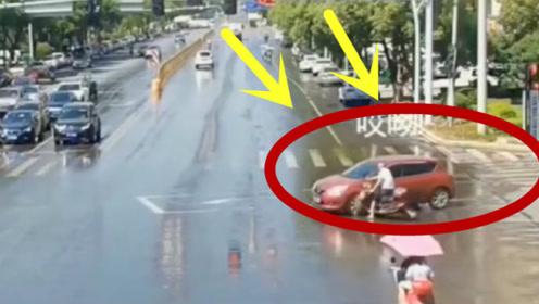 这就是闯红灯的代价,被撞也要负全责!不要的命电动车