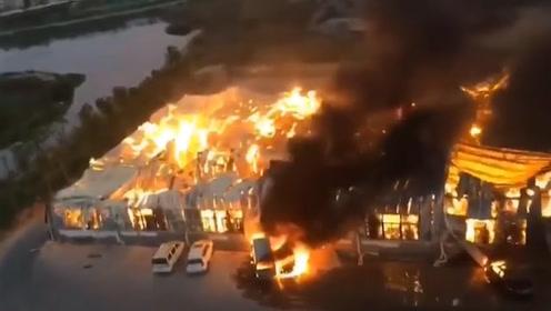 损失惨重!厦门一纸厂员工电焊起火,隔壁厂价值千万设备也遭殃
