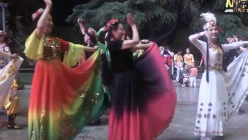 台湾学生看南京:广场舞高手在民间