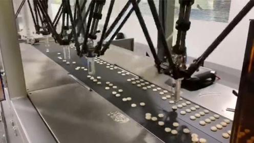 科技的力量,机器人速度快不快,网友:看完服了!