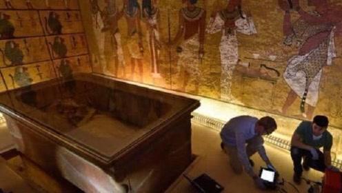 法老墓中出土两件惊人文物, 考古专家表示:两件都不是地球之物