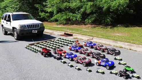 老外用玩具汽车拉真车,玩具车启动的瞬间,霸气才刚刚开始!
