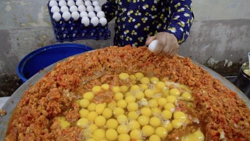 印度街头的巨大炒鸡蛋,400个鸡蛋砸一锅,隔着屏幕口水流一地