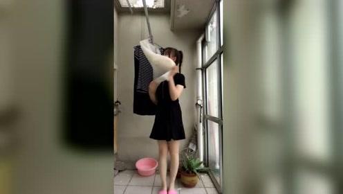 洗完衣服嗨一段,娶了一个爱收拾家务的小姐姐