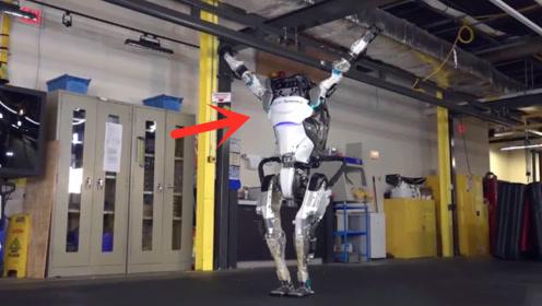 厉害了!波士顿机器人再升级,倒立翻滚比人还灵活!