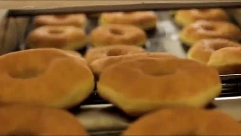甜甜圈是纯手工制作?看完之后,发现自己的想法太天真了