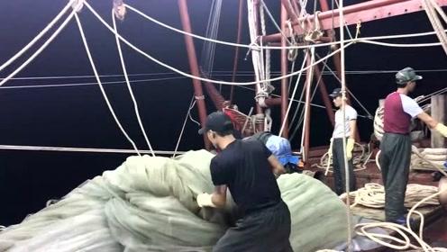 跟船一天,都没看懂这个捕鱼网是怎么操作的,感觉太复杂了