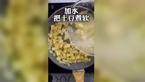 聊美食:浓浓的土豆汤,冬天来一碗别提有多美!