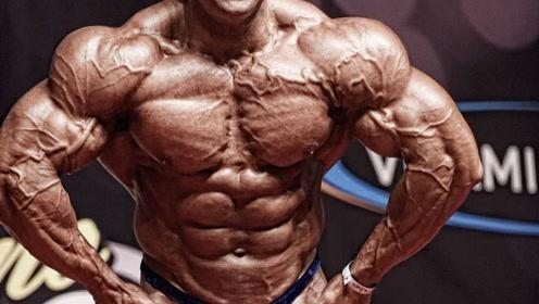 为何大部分健美运动员英年早逝,秀肌肉虚弱晕倒,他们怎么了?