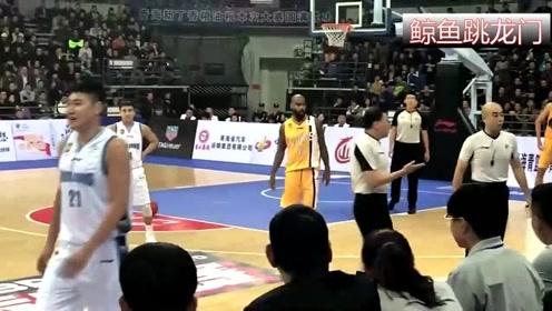 李春江怒斥北京男篮大将没道德:有你那么打球的吗