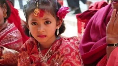 这里的女孩12岁前就要结婚,并且嫁的还不是人类,从来就没寡妇!