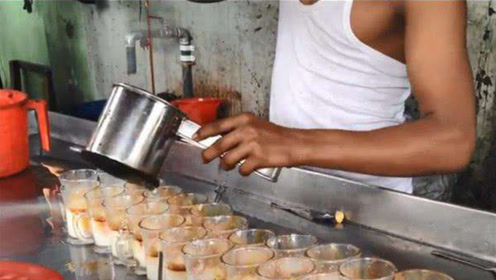 美女在印度买了一杯冷饮,导游立刻阻止,导游:不要命了