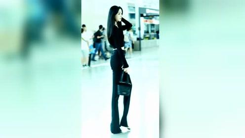 这么漂亮的女生,居然在机场当安检?