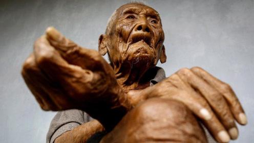 世界上最长寿的老人,比光绪帝还大一岁,送走了七代子孙