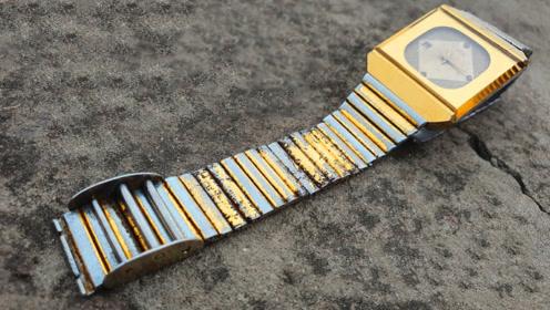 牛人修复一块手表,这手艺活厉害了,成品和新的差不多!