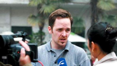 美国游客在中国,看到人们这一随身物品后好奇:不嫌麻烦吗?
