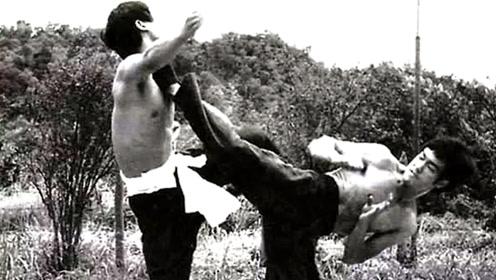 李小龙生前实战录像!蒙眼对决日本空手道大师,对手扛不住三分钟!