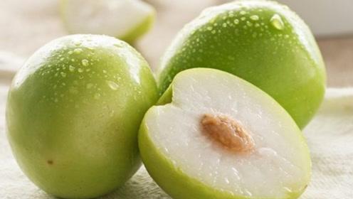 这几种水果尽量少给孩子吃,影响肠胃消化,不利身体发育