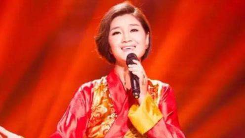 """降央卓玛真是王者,翻唱80年经典老歌,不愧是""""中国最美女中音"""""""