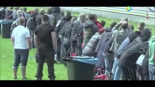 外国人在货车后面装个发动机以为会飞起来!结果着火了!