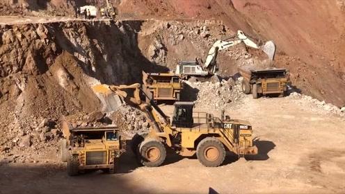 老板请来一台挖掘机一台装载机,启动试试活,大家说哪个效率高?