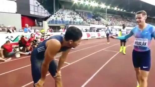 400米纪录范尼凯克全程领先,飞人的接班人啊