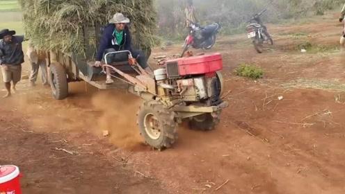 这是高手,真没想到拖拉机居然这么难驾驭,还以为挂挡就走