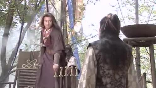 乔峰的武功到底有多高 从他身上被插四刀 还谈笑风生可看出!