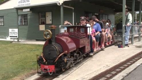 蒸汽火车迷在家做模型!完美还原200年前火车,工业时代的魅力