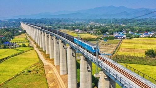 中国又一超级大工程,全线穿越229座隧道770多座桥梁,几亿人受益
