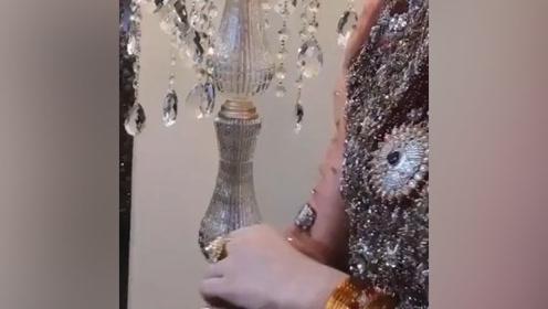 难怪人家能当王后,印度国王挺有眼光的,王后很漂亮!