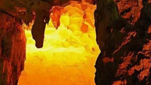 专家发现西汉古墓,将墓室打开后金光四射,专家:终于找到了!