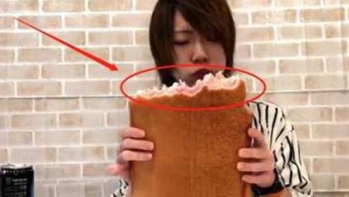 日本大胃王挑战30斤牛排,仅两口就被镜头出卖了,网友:当我傻?