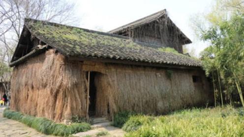 四川有个破茅草屋,参观一趟要50元门票,为何游客络绎不绝?