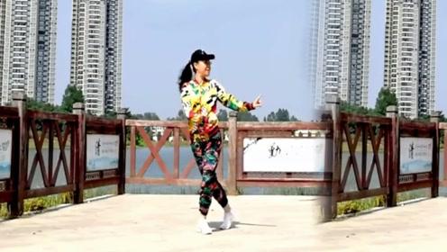 朵朵广场舞《格桑拉》16步欢快藏族舞,不一样的风格