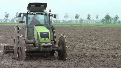 意大利发明稻田打浆机,一个小时能打浆30亩地,6800元造一台