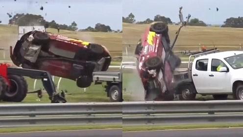 """奇迹!赛车失控""""狂飙""""空中翻滚数圈被撞碎 车主受轻伤淡定离场"""