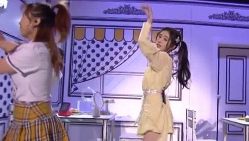 鞠婧祎扎高马尾青春洋溢秒变学生妹 开心起舞秀美腿